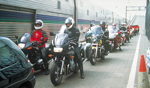 Getlink History - 1995 - Start of the commercial Eurotunnel Shuttle service for motorcycles