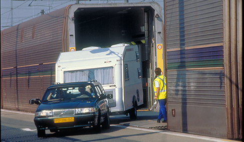 Histoire Getlink - 1995 - Service navettes passagers eurotunnel camping-cars