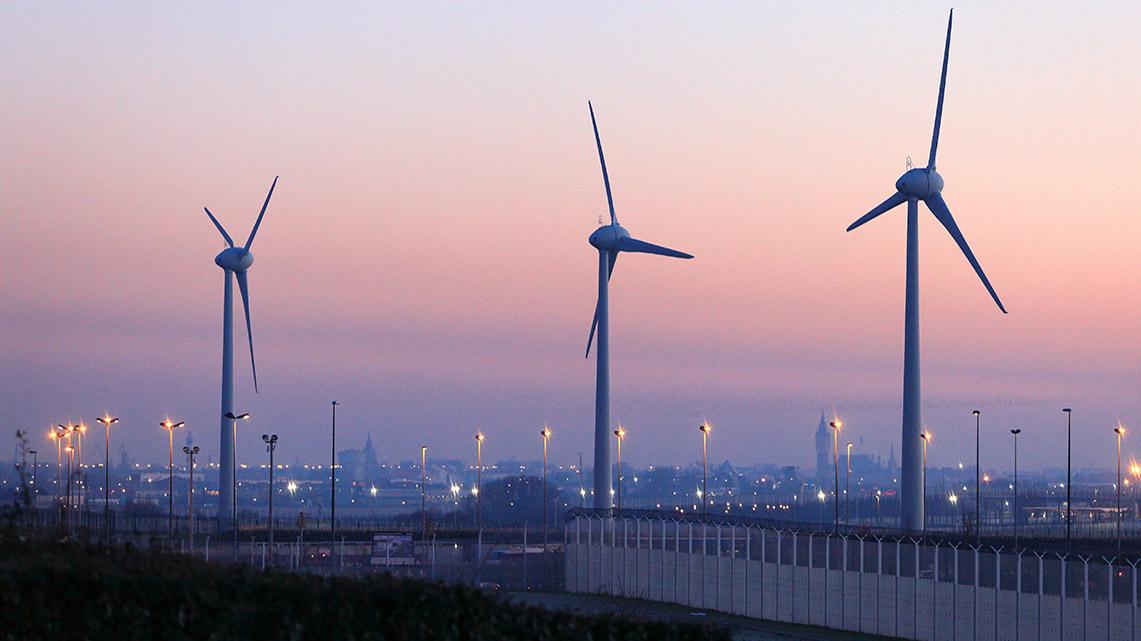 Histoire Getlink - 2010 - Inauguration parc éolien d'Eurotnnuel à Coquelles