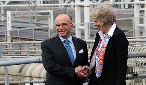 Getlink History - 2015 - Visit to the Eurotunnel site in Coquelles of the French Interior Minister and the British Home Secretary Theresa May