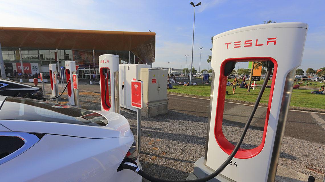 Getlink History - 2015 - Tesla superchargers