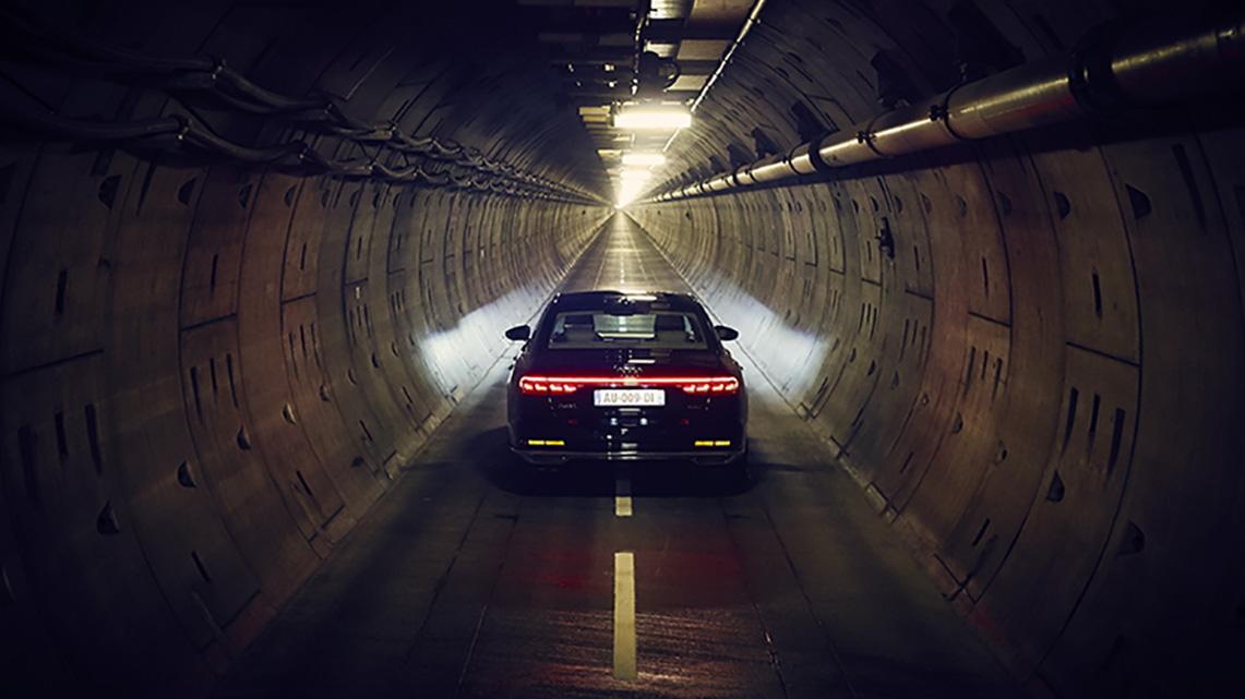 Histoire Getlink - 2017 - Audi A8 video promotionnelle dans l'Eurotunnel